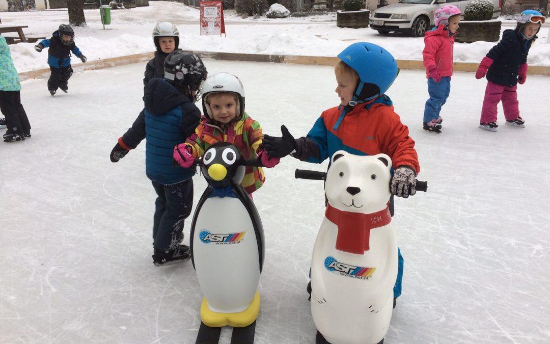 Blacky & Baloo erstmals am Amlacher Eislaufplatz