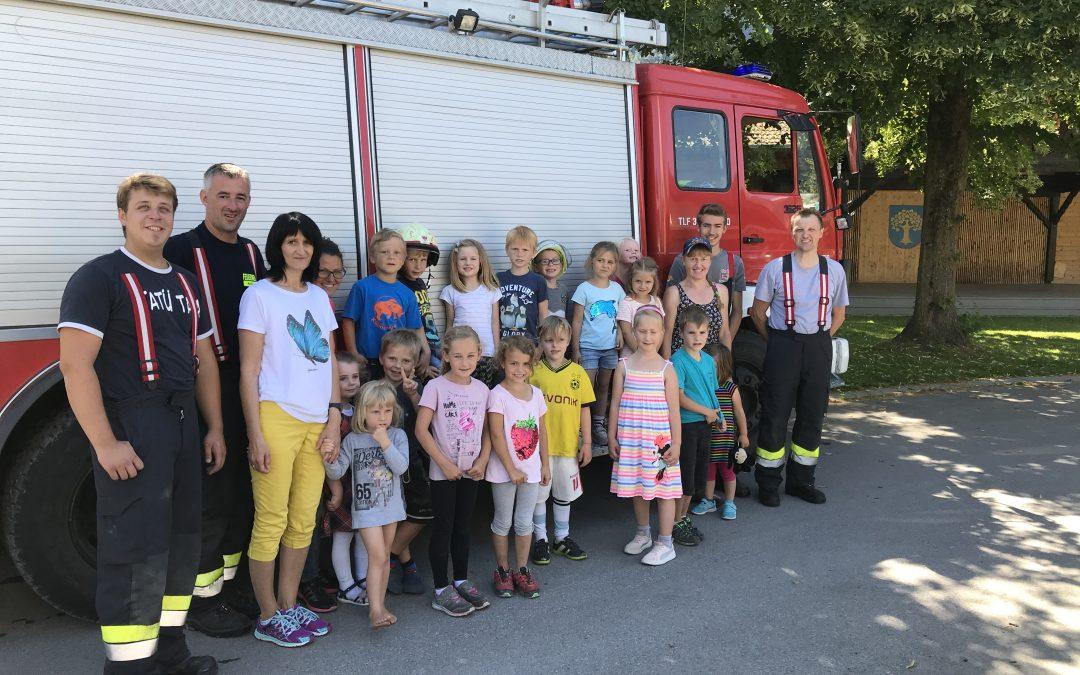 Feuerwehrübung mit dem Kindergarten Amlach Juni 2018
