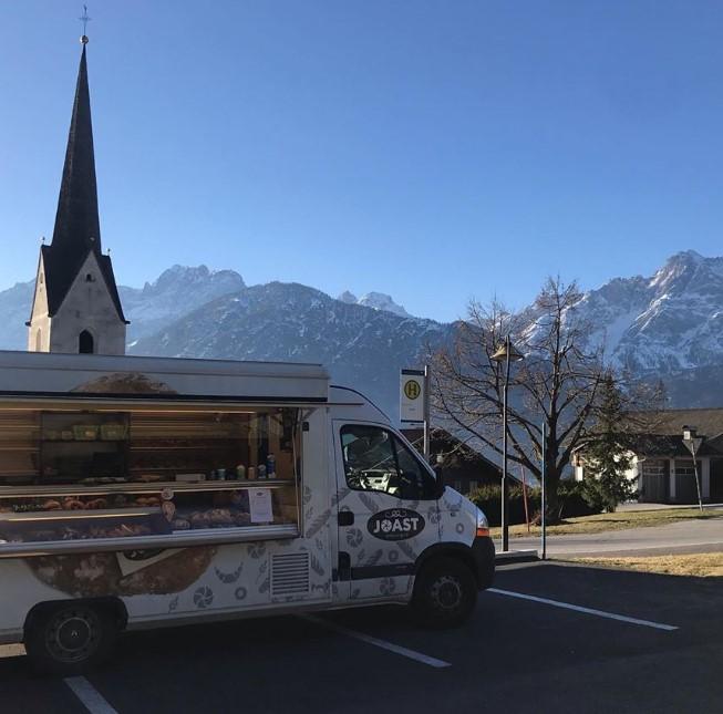 Mobiler Brotverkauf der Bäckerei Joast in der Gemeinde Amlach