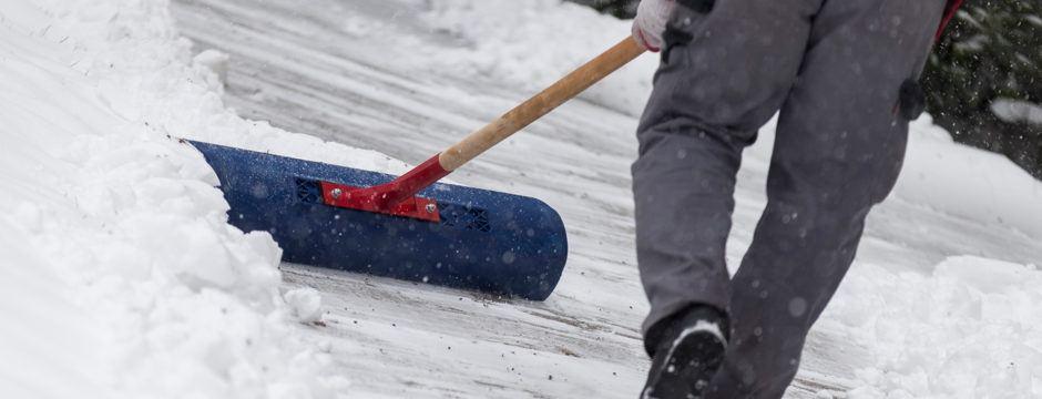 ***Schnee von Privateinfahrten – keine Deponierung auf Verkehrsflächen!***