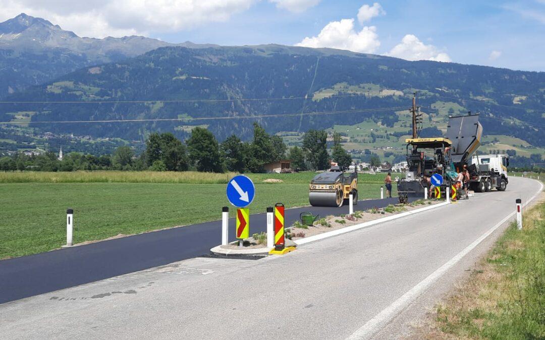 Neue Verkehrsinsel auf der Tristachersee Landesstraße